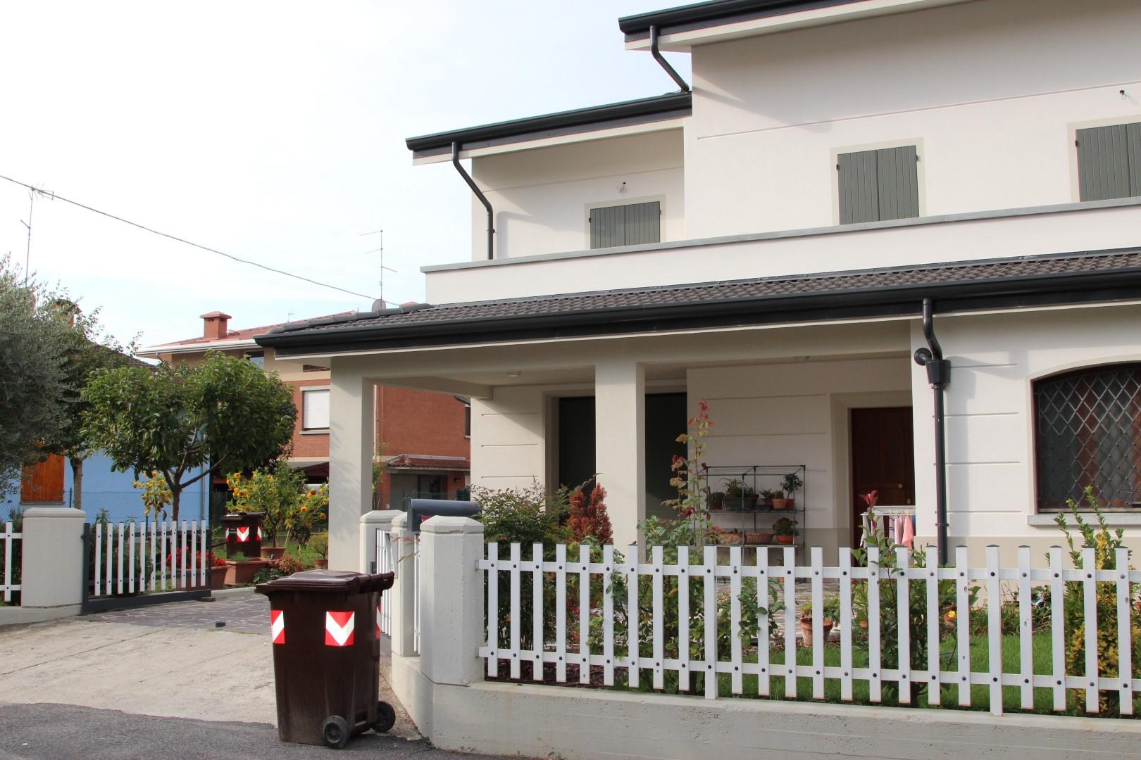 Ristrutturazione edificio residenziale - Boretto (RE)